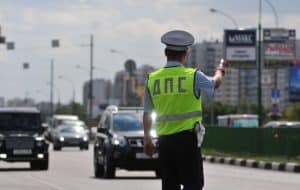 Какие штрафы за непостановку авто на учет
