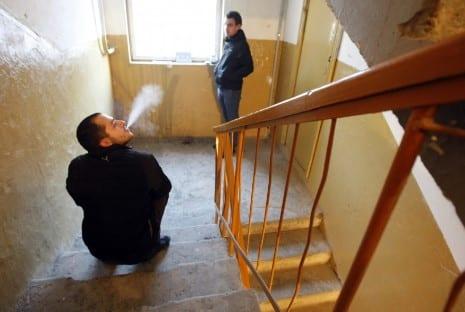 Ответственность за курение в подъезде жилого дома