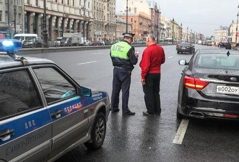Штраф для водителей, случайно оставивших права дома