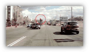Что считается проездом на запрещающий сигнал светофора